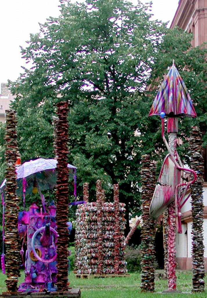 """Stelen-Arrangement im Garten der CityKirche"", Ausstellung 2002, 11"