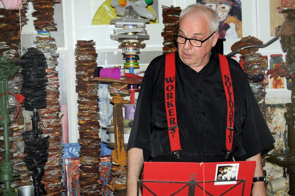 Einhart Klucke bei seiner kabarettistischen Einführung, Foto Manfred Rinderspacher, DSC_0112