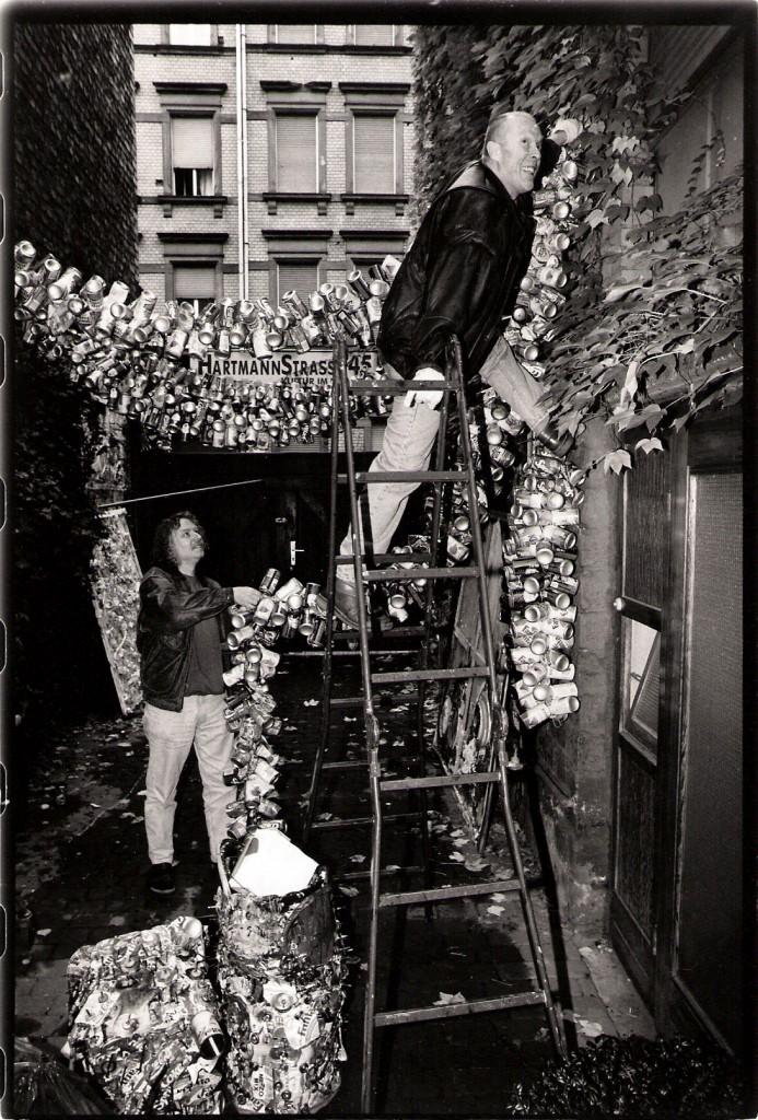 Aufbau Dekoration in der Galerie Hartmannstrasse 45 zusammen mit Günther Wilhelm, Scannen0013