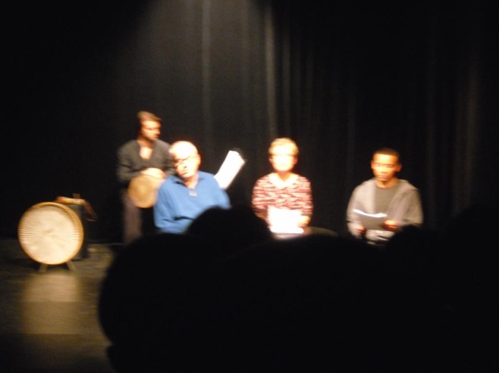 Von links: Joss Turnbull (Musik), es lesen: Einhart Klucke, Bettina Franke, Peter Pearce