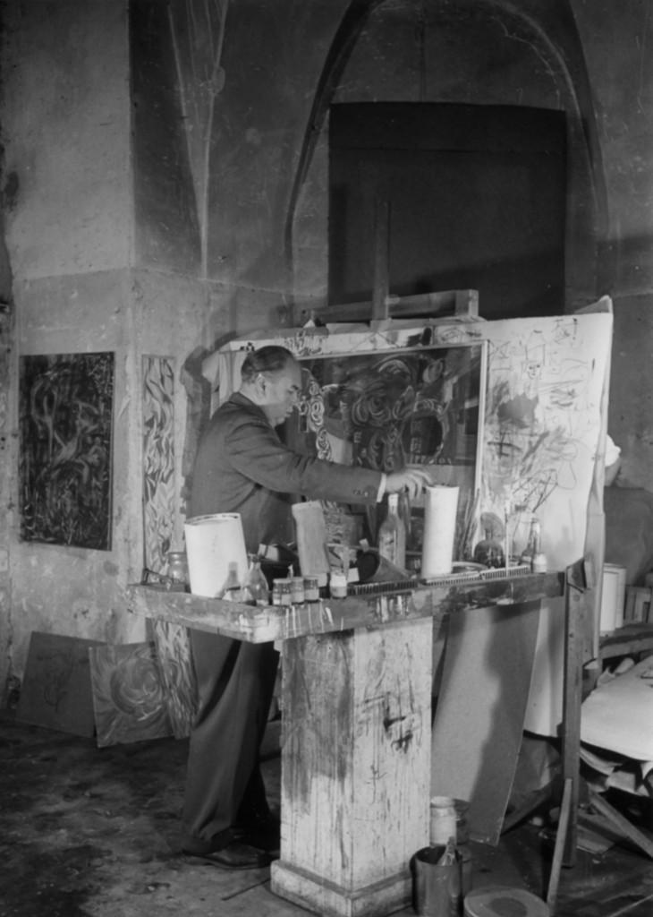 Franz Schömbs bei der Arbeit in seinem Atelier