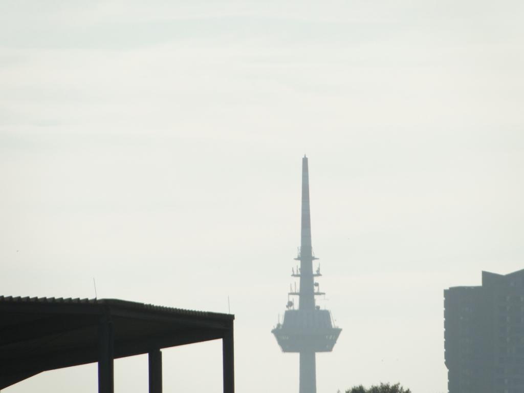 Weit im Hintergrund: der Fernmeldeturm