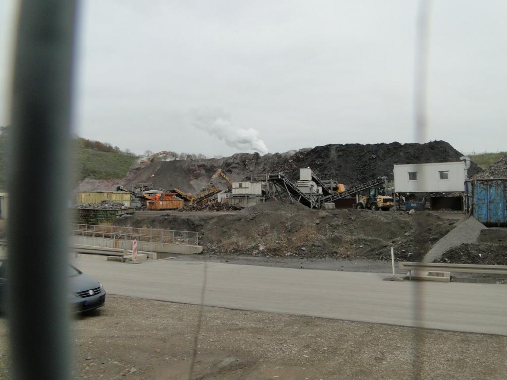 """Verwertung von Bauschutt: """"Weshalb gibt es eigentlicher Weise Bauschutt?"""