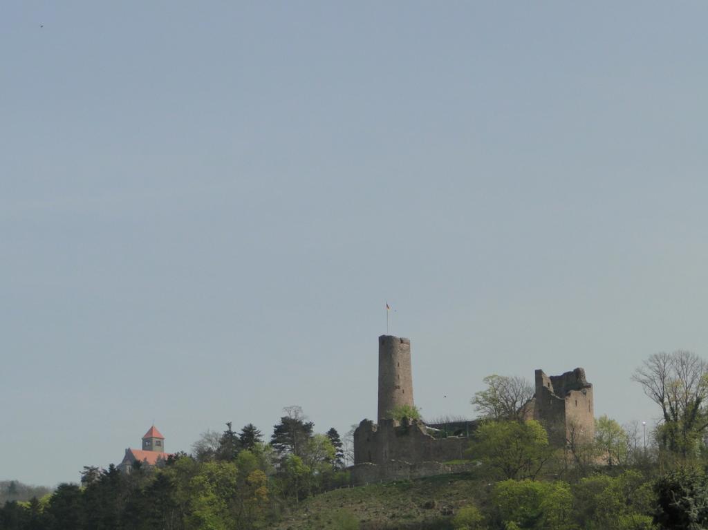 Für einen Besuch der beiden Burgen fehlte es diesmal an Zeit, den machen wir noch, kommt Zeit kommt Radtour...