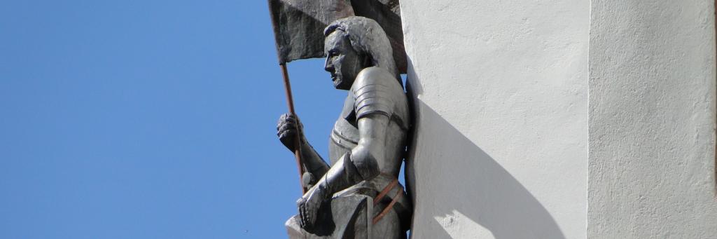Wie zufrieden der Wächter blickt ins Neckartal, kein Feind mehr in Sicht ...