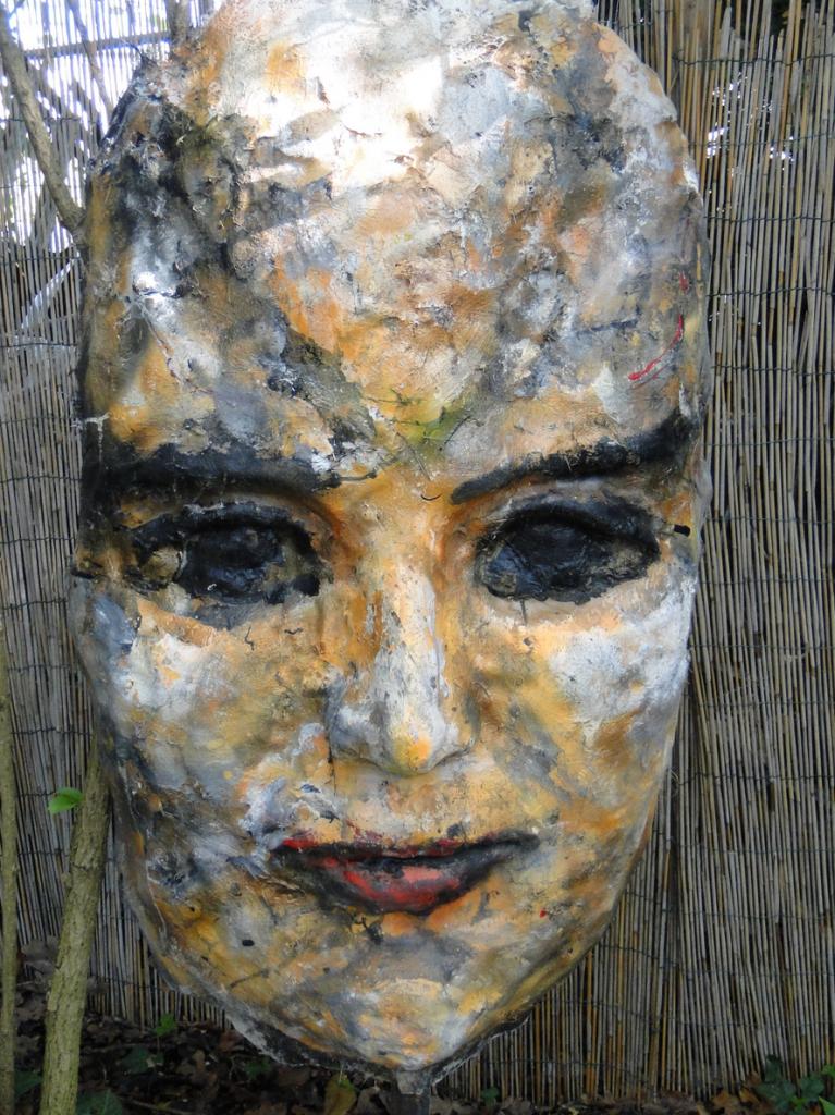 Das schöne Gesicht, 2014, h = 160 cm, Glasfaserpolyester