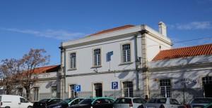 Gebäudefront des Bahnhofs