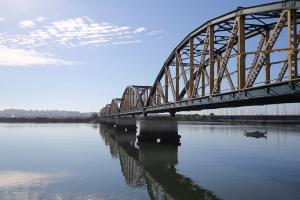 Brückenschlag über den Rio Arade