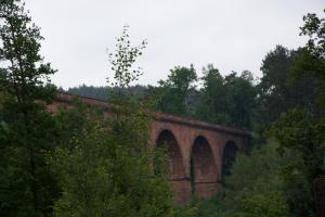Das Himbächel-Viadukt, schier hätte ich Himmelbächel geschrieben, aus dem 19. Jahrhundert: Verbindungsteil zwischen Neckar und Main.