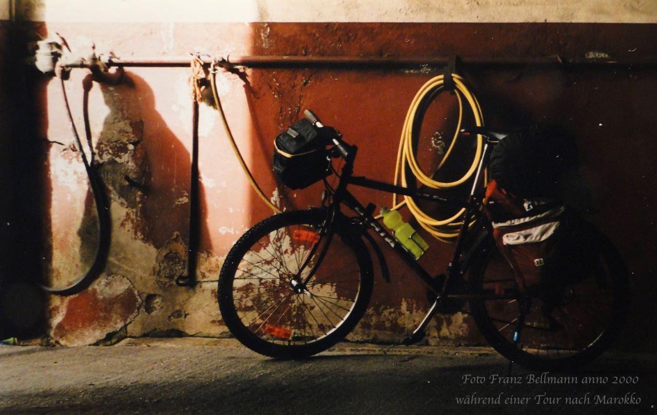 Was für ein tolles Gefährt, hat es mir doch bis Marokko (Safi) hervorragende Dienste geleistet, nicht ein Defekt, nicht ein platter Reifen ...